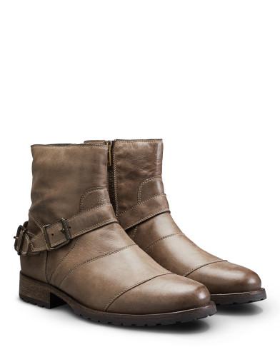 Belstaff – Trialmaster Boots – £450 €495 $595 ¥78000 – Bronze Oak – 77800256L81A027320110ANGLEPAIR-jpg